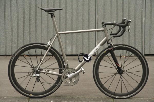 T1R - Titan Rennrad Rahmen-Prototyp von VPACE