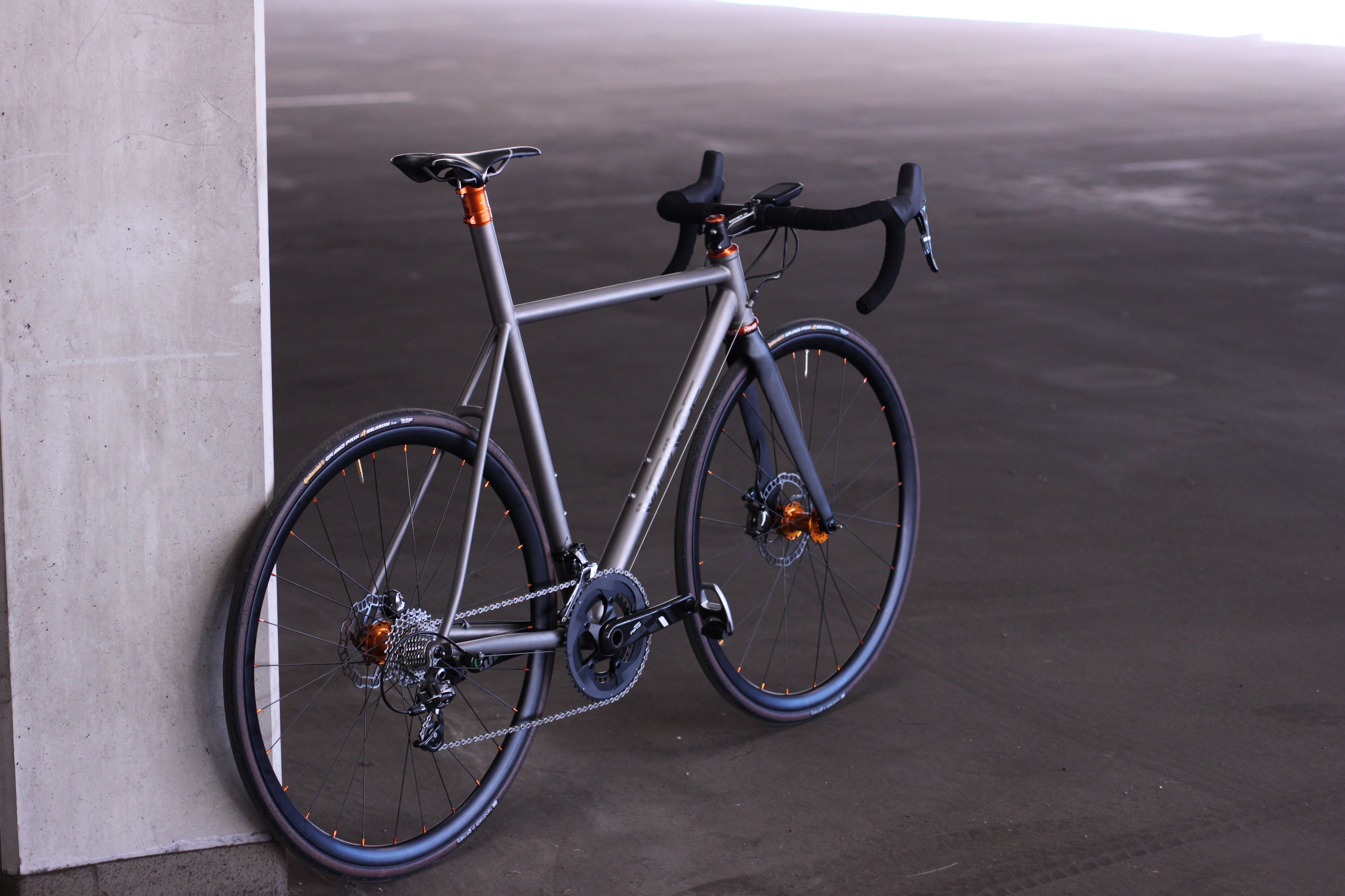 DSD bling bling - ein Titan Disc Rennrad - VPACE Bikes