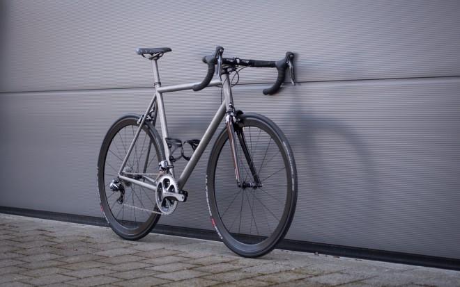 T1R Titan Rennrad mit Dura Ace Gruppe und 3T Carbongabel