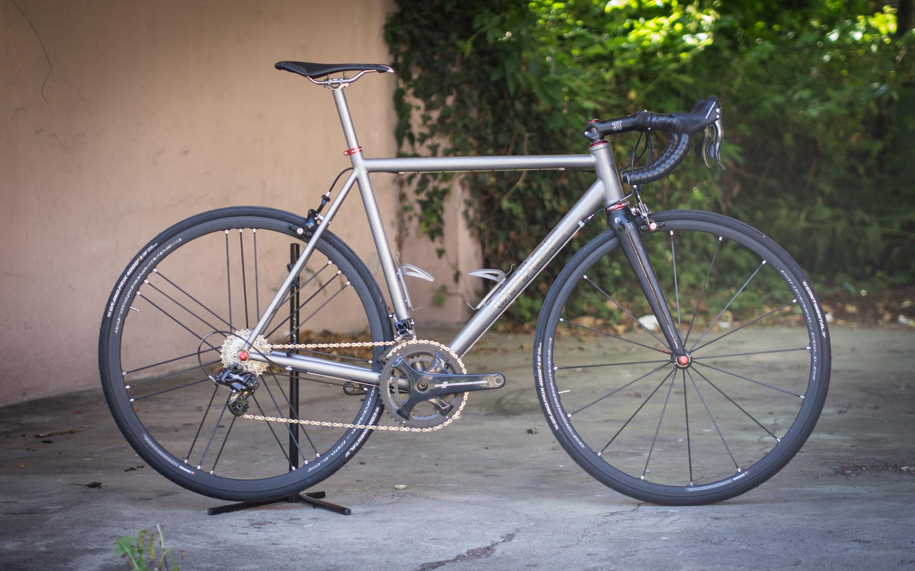 Titan Rennrad mit Campagnolo – Italo chick! – VPACE Bikes
