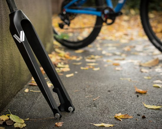 MAX24 Kinderbike Carbongabel