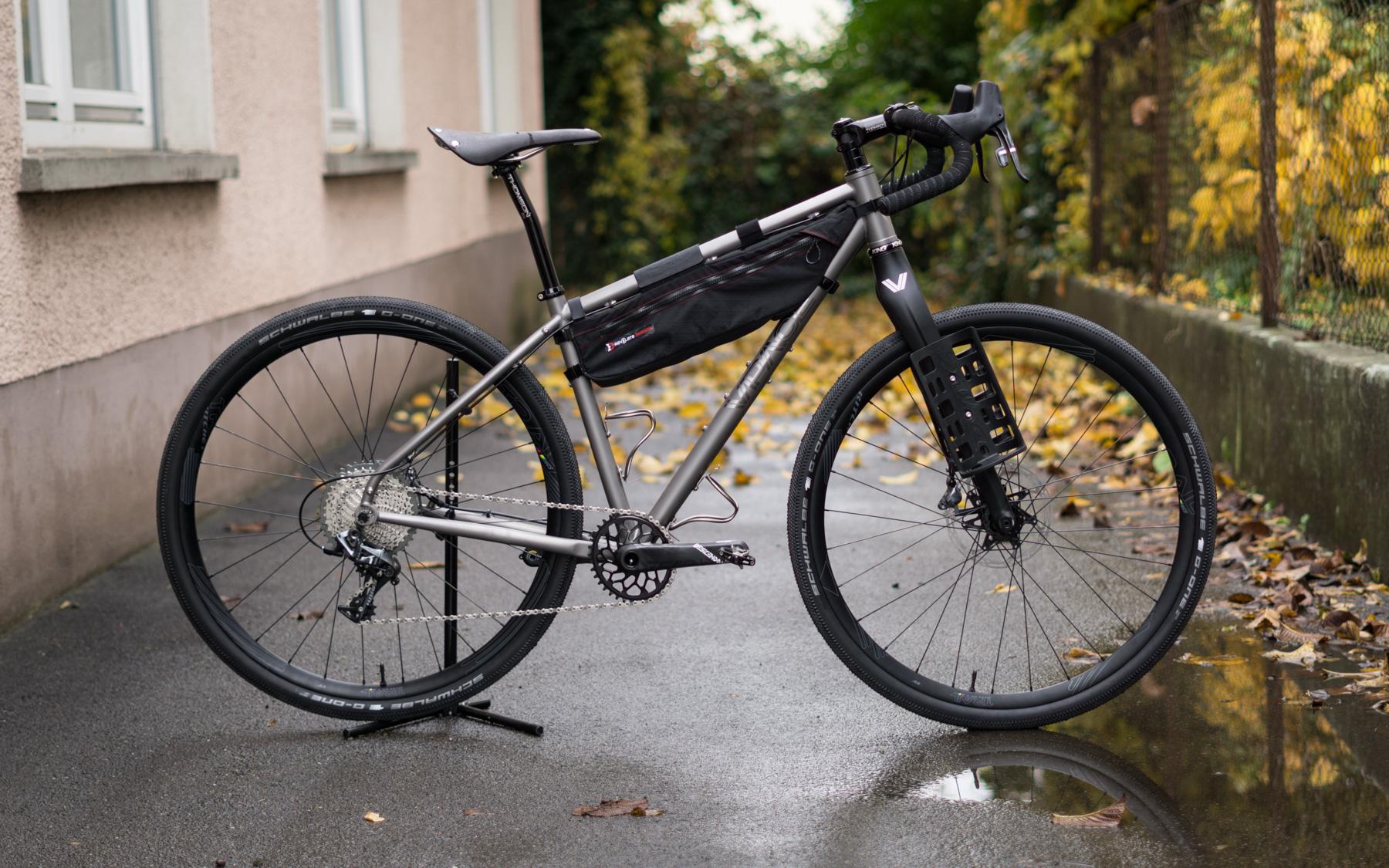 Rock \'n\' Roll - die Geburt des TMX Titan Adventurebike - VPACE Bikes